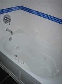Master tempe rental house. Jacuzzi tub